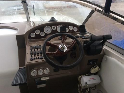 2005 Regal 2765 Commodore Photo 6 of 13