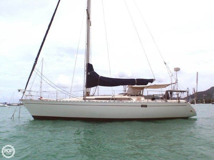 1982 Beneteau First 38 Photo 2 sur 20