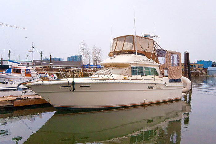 1982 Sea Ray Aft Cabin 355 Photo 1 of 12