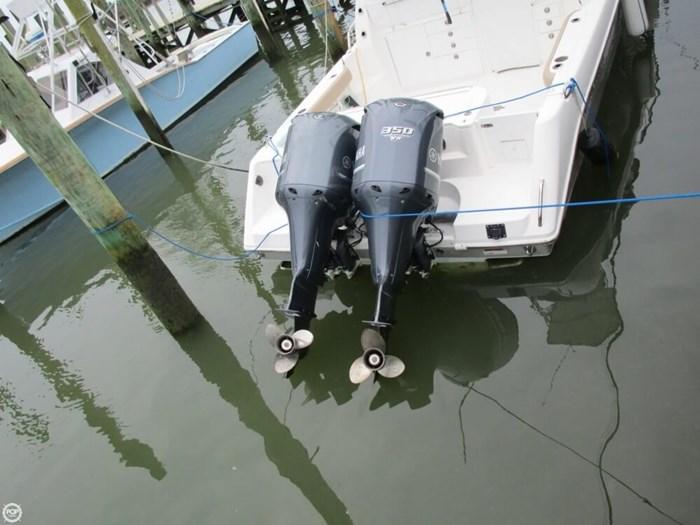 2011 Everglades 320 EX Photo 17 sur 20