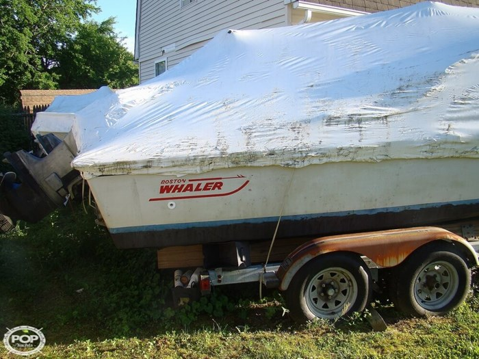 1988 Boston Whaler 22 Revenge WT Photo 12 of 20