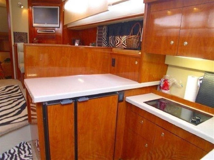 2006 Cruisers Yachts Photo 4 sur 25