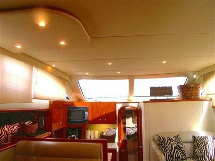 2006 Cruisers Yachts Photo 8 sur 25