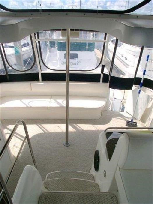 2006 Cruisers Yachts Photo 16 sur 25