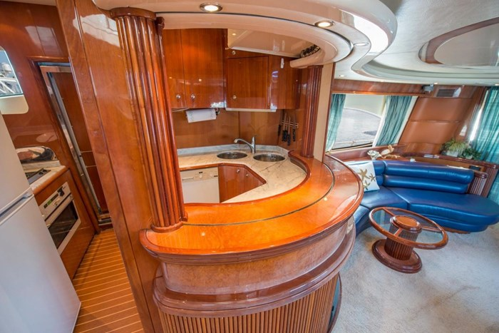 1996 Azimut 70 Sea-Jet Photo 9 of 36