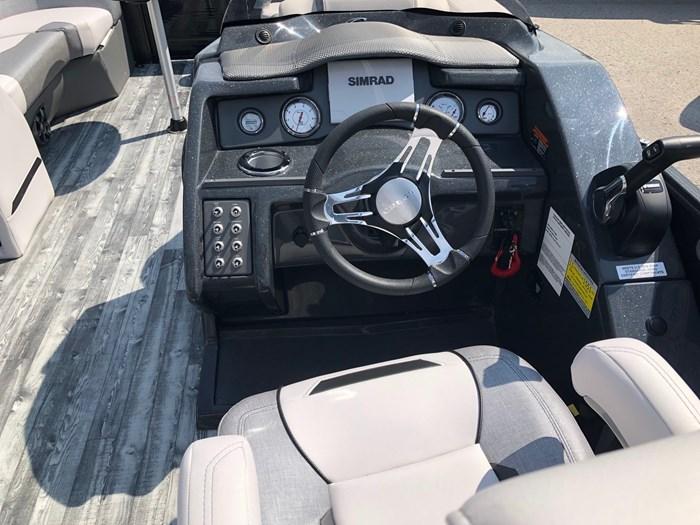 2019 Crest Crest Marine Caliber 230 SLC Photo 5 sur 10