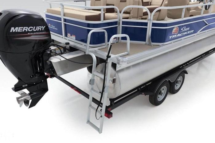 2016 Sun Tracker 22 DLX Fishin Barge Photo 19 sur 21