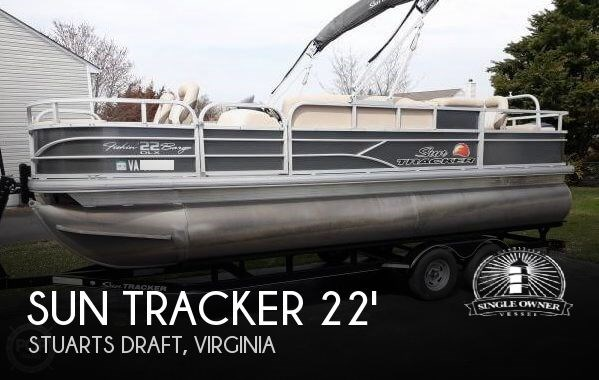22 DLX Fishin Barge