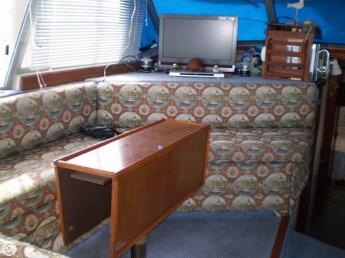 1983 Bayliner 3870 Photo 15 sur 21