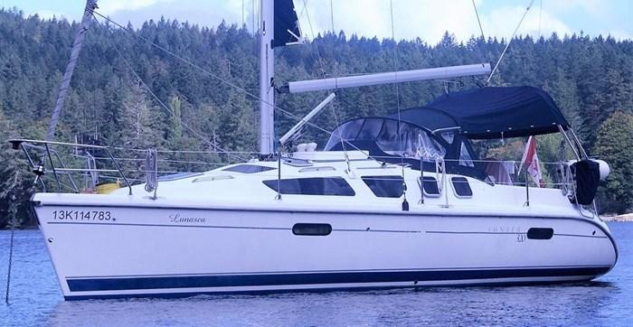Hunter 320 2001 Used Boat for Sale in Victoria, British Columbia -  BoatDealers ca