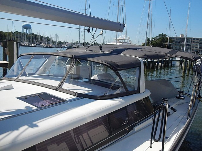 2015 Beneteau Sense 55 Photo 5 of 30