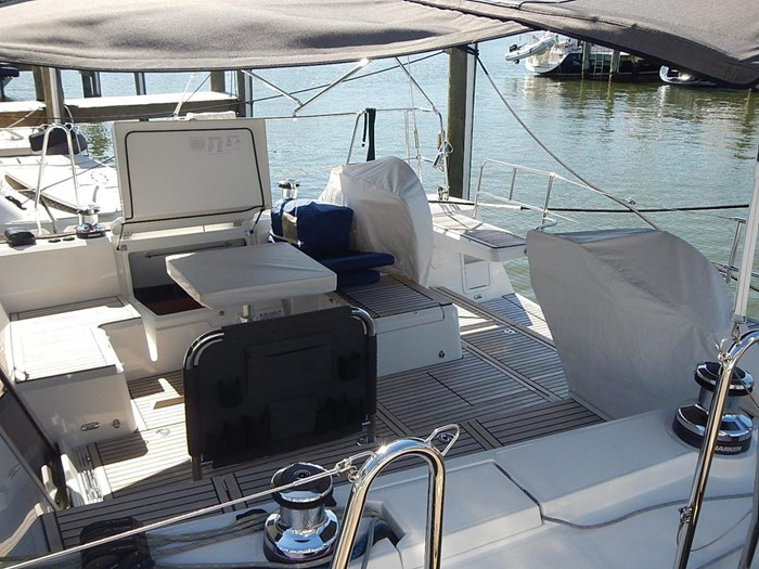 2015 Beneteau Sense 55 Photo 6 of 30