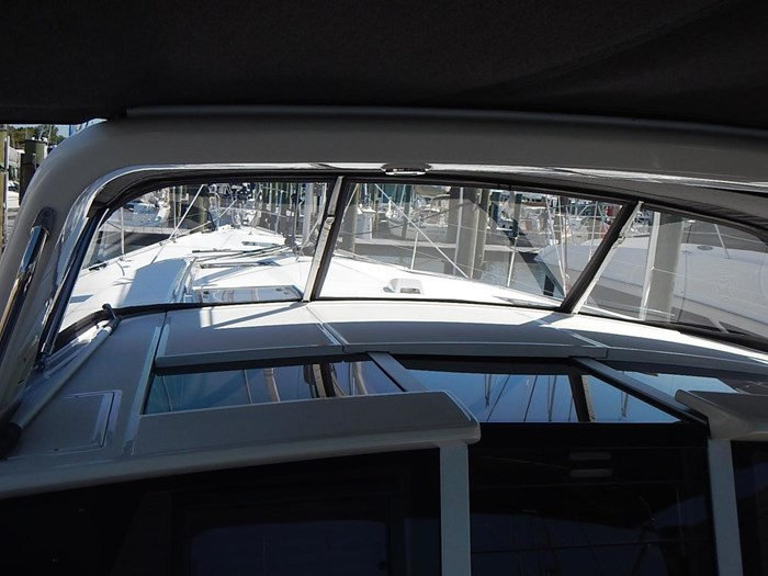2015 Beneteau Sense 55 Photo 8 of 30