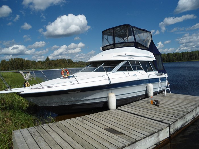 1989 bayliner 2958 Avanti command bridge Photo 1 of 9