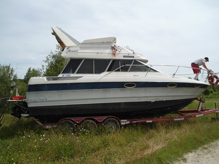 1989 bayliner 2958 Avanti command bridge Photo 9 of 9