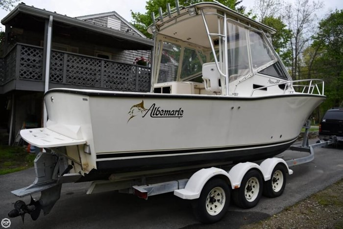 Albemarle 265 Cuddy Express 1997 Used Boat for Sale in Middleboro,  Massachusetts - BoatDealers ca
