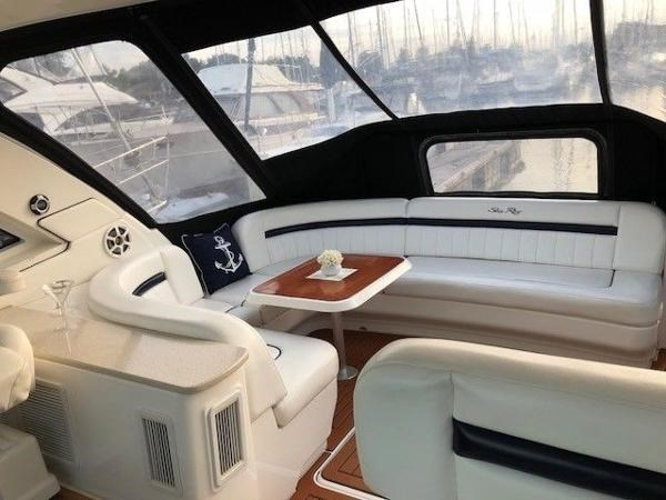 Sea Ray 480 Sundancer 2009 Used Boat For Sale In Montreal Quebec Boatdealers Ca