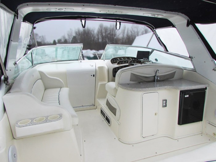 2001 Rinker 340 Fiesta Vee Photo 4 of 8