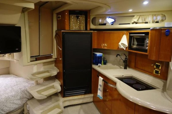 1999 Sea Ray Sundancer 380 Photo 8 of 14