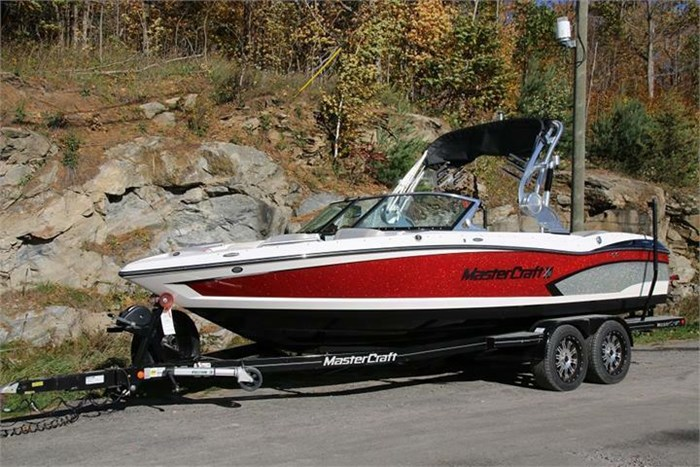 2015 Mastercraft X30 Photo 1 of 21