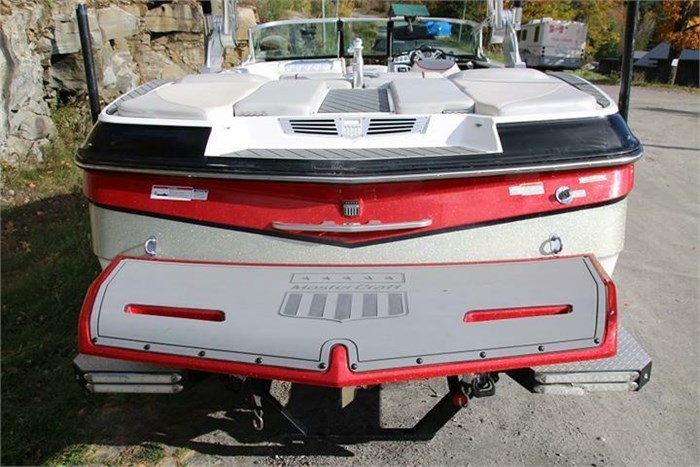 2015 Mastercraft X30 Photo 9 of 21