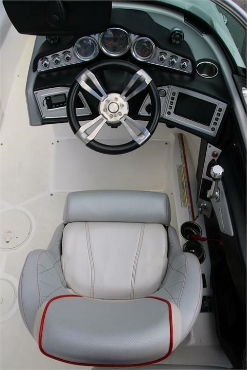 2015 Mastercraft X30 Photo 15 of 21