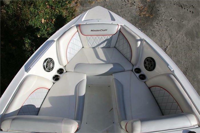 2015 Mastercraft X30 Photo 17 of 21