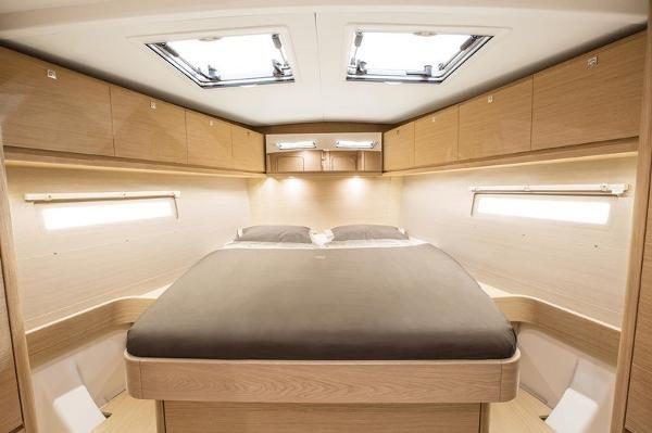 2019 Dufour Yachts 520 Grand Large Photo 8 sur 14