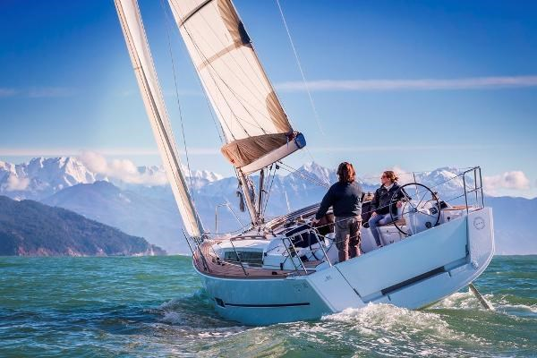 2021 Dufour Yachts 310 Grand Large Photo 4 sur 14