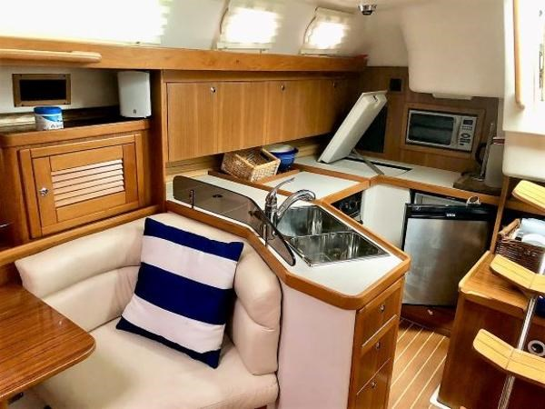 Catalina 375 2008 Used Boat for Sale in Whitby, Ontario - BoatDealers ca