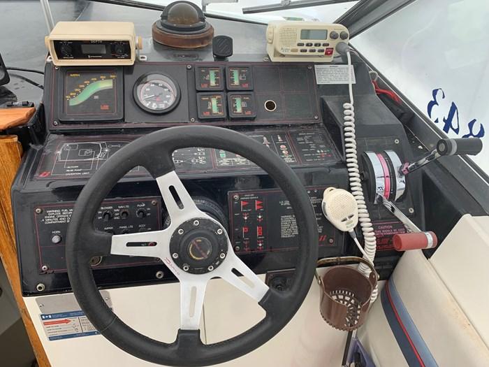 1985 Bayliner 2850 Contessa Photo 6 sur 17