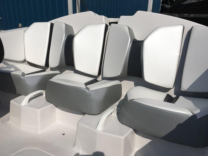 2019 Scarab 165 Ghost Rotax 150HP Trailer Photo 8 sur 14