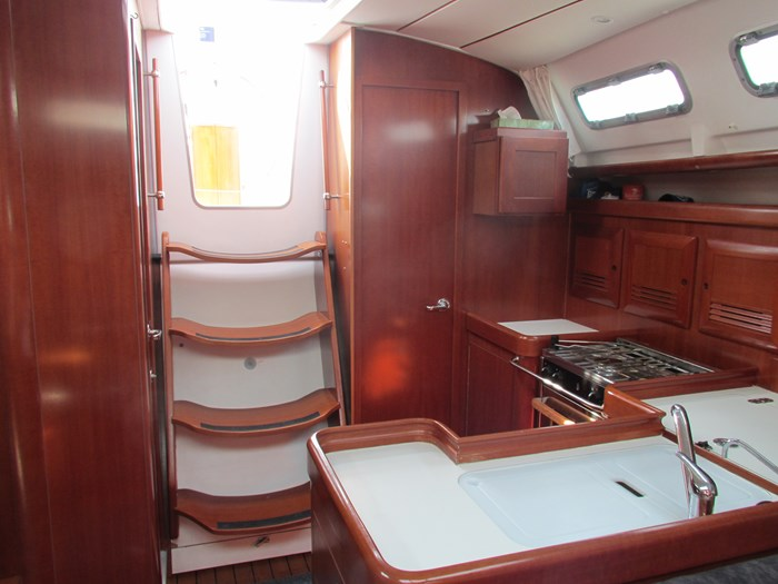 2007 Beneteau Oceanis 373 Photo 18 of 33