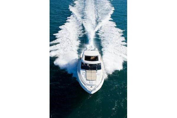 2014 Riviera 5800 Sport Yacht Photo 5 of 15