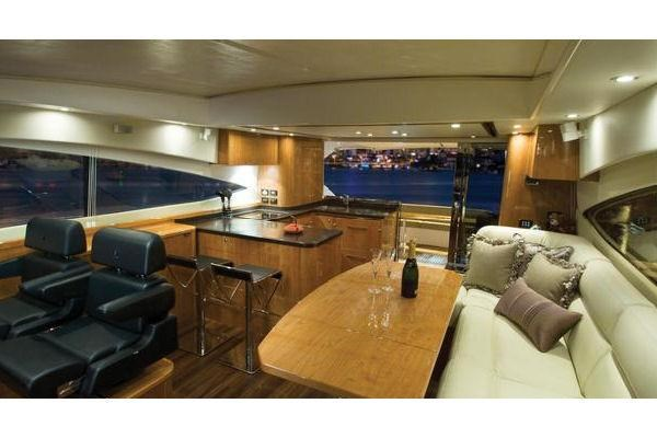 2014 Riviera 5800 Sport Yacht Photo 8 of 15
