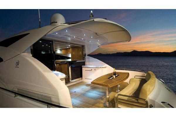 2014 Riviera 5800 Sport Yacht Photo 12 of 15