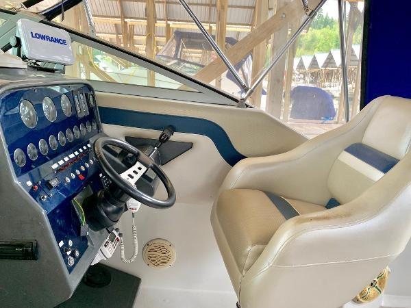 1990 Regal 270 Commodore Photo 9 of 23