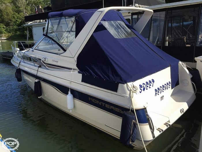 1996 Monterey 276 Cruiser Photo 5 sur 21