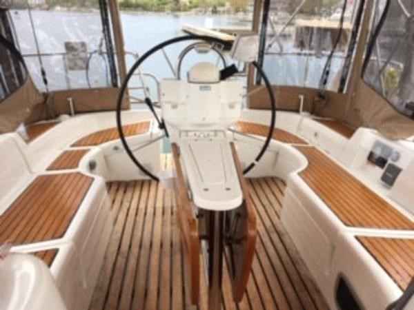 2007 Beneteau 423 Photo 11 sur 29