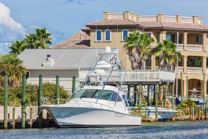 2014 Viking Yachts Sport Tower Photo 1 of 26