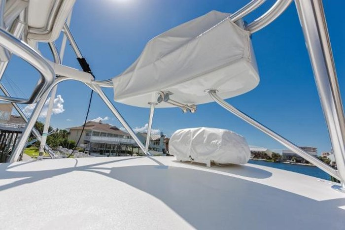 2014 Viking Yachts Sport Tower Photo 15 of 26
