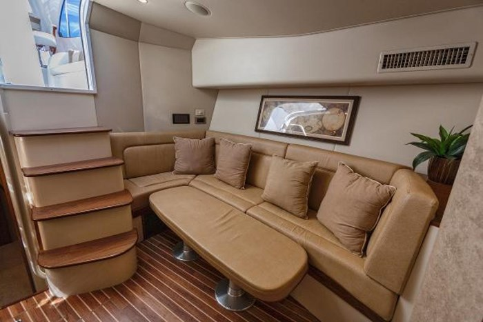 2014 Viking Yachts Sport Tower Photo 19 of 26