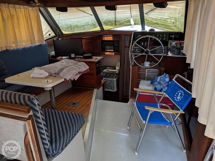 1987 Bayliner 3270 Motoryacht Photo 8 sur 20