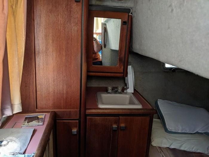 1987 Bayliner 3270 Motoryacht Photo 12 sur 20
