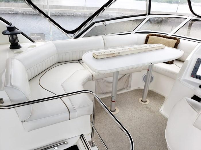 1999 Cruisers Yachts 3750 Motoryacht Photo 3 sur 48