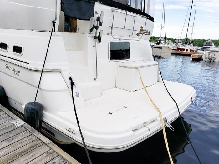 1999 Cruisers Yachts 3750 Motoryacht Photo 5 sur 48