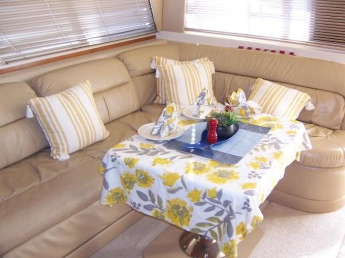 2004 Meridian 490 Pilothouse Photo 4 of 28