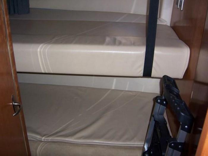 2004 Meridian 490 Pilothouse Photo 19 of 28