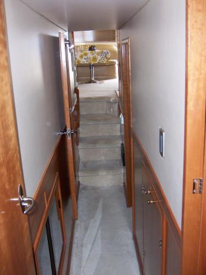 2004 Meridian 490 Pilothouse Photo 22 of 28