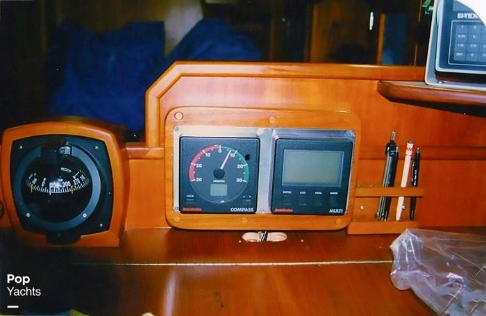 1983 Quest 36 Semi Custom Photo 20 sur 21